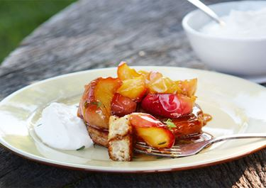 Rika riddare med karamelliserat äpple