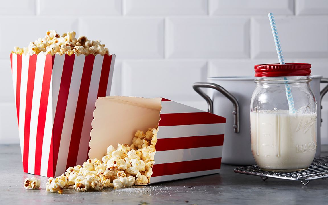 Poppa popcorn i kastrull
