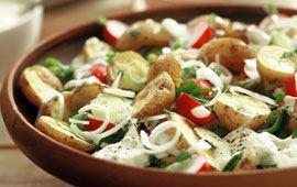 Ugnsbakad potatissallad med ädelostyoghurt