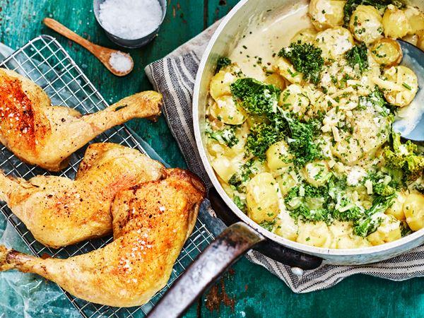 Kycklingklubbor med potatis- och grönkålspanna