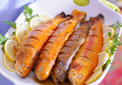 Örtfylld fisk