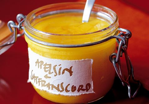 Apelsincurd med saffran