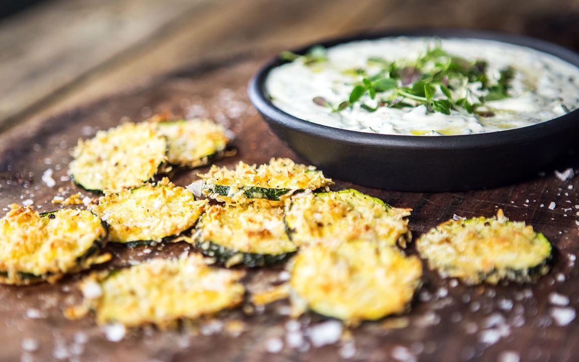 Zucchinichips med cheddar