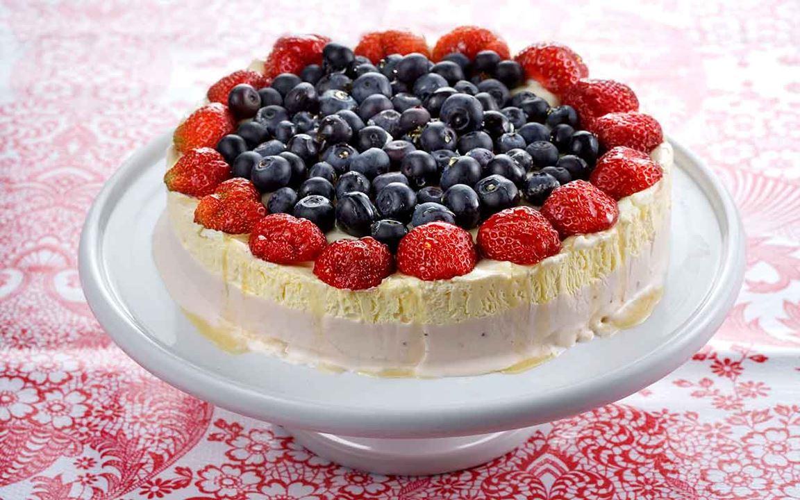 Glasstårta med bär