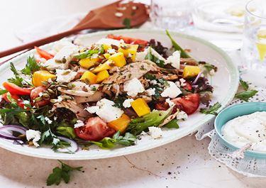 Sallad med kyckling, mango och örtquinoa