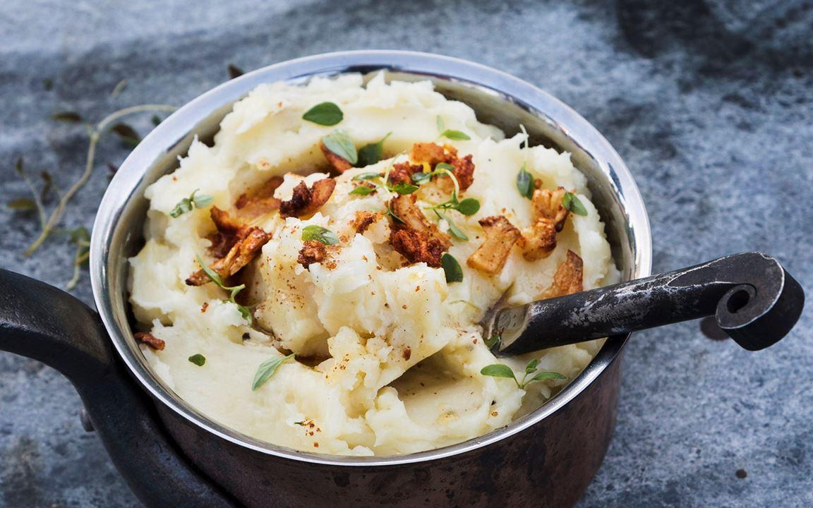 Parmesanmos med brynt vitlökssmör och tryffel