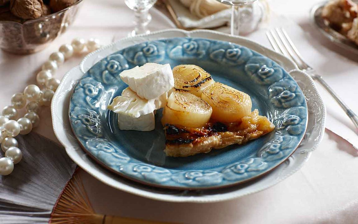 Tarte tatin med lök och ost