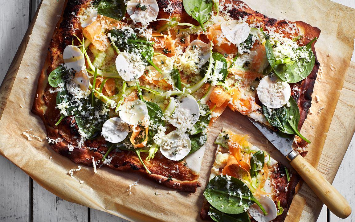 Pizza bianca med primörer