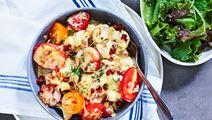 Gratinerad blomkål med bacon, tomat och svamp