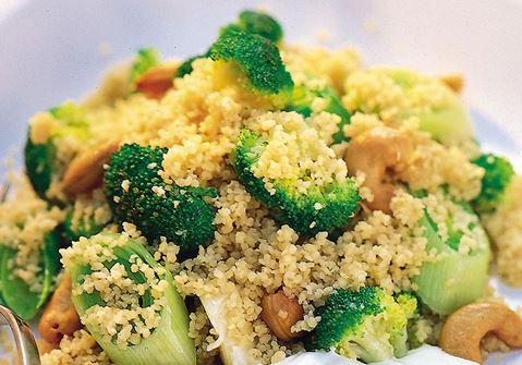 Varm couscoussallad med limesås