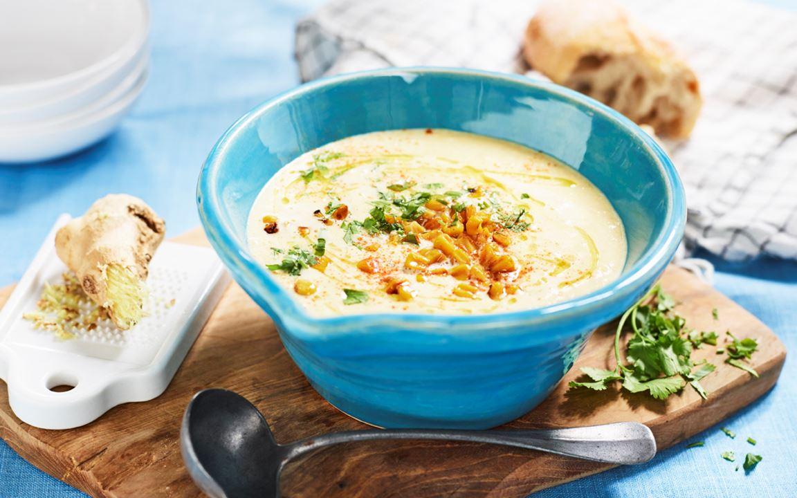 Rostad majssoppa med ingefära och koriander