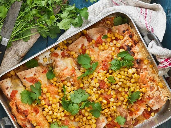 Enchilada med grillad paprika och rostad majs