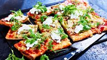 Pizza med rucola och cottage cheese