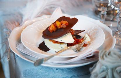 Blåmögelost med choklad och tomatchutney