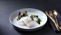 Rimmad torskrygg med blåmusselsås och jordärtskocka