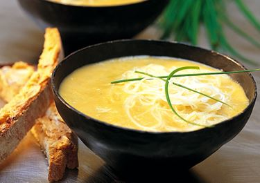 Thaisoppa med chilibröd