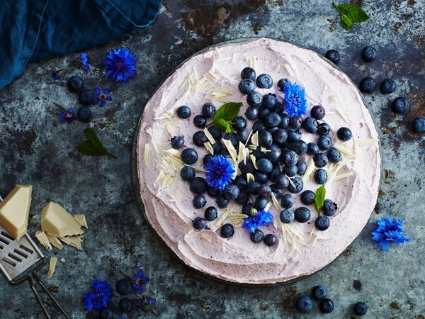 Blåbärstårta med vit choklad