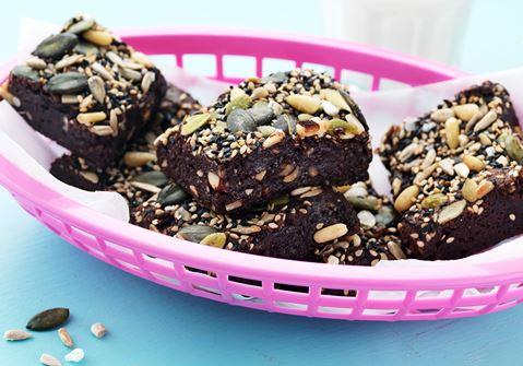 Brownie med vanilj- och saltrostade frön
