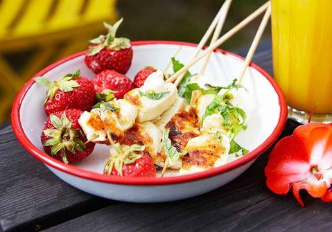 Ostspett med jordgubbar