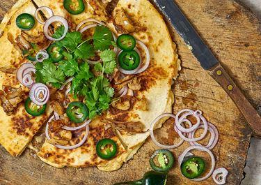 Quesadillas med harissa, kyckling och koriander