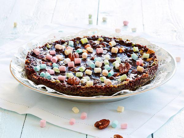 Kladdkaka med tranbär, pecannötter och minimarshmallows