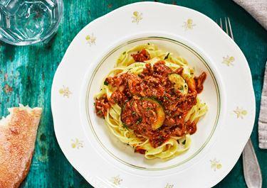 Tagliatelle bolognese med zucchini