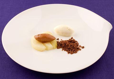 Päron med vanilj och hasselnötskräm