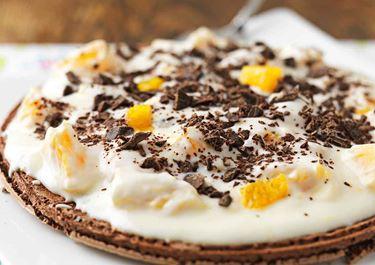 Marängtårta med mandel och apelsinyoghurt