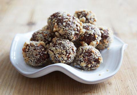 Chokladbollar med kaffe och hasselnötter