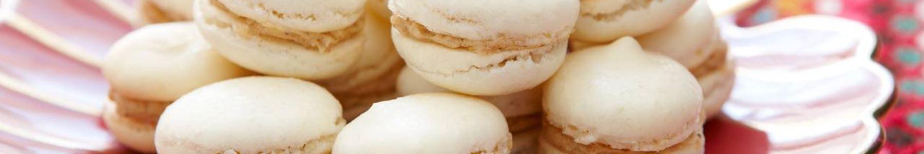 Mandel + Jul + Macarons