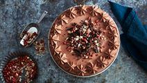 Banan- och chokladkolatårta med jordnötter