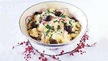 Potatissallad med saffran och oliver