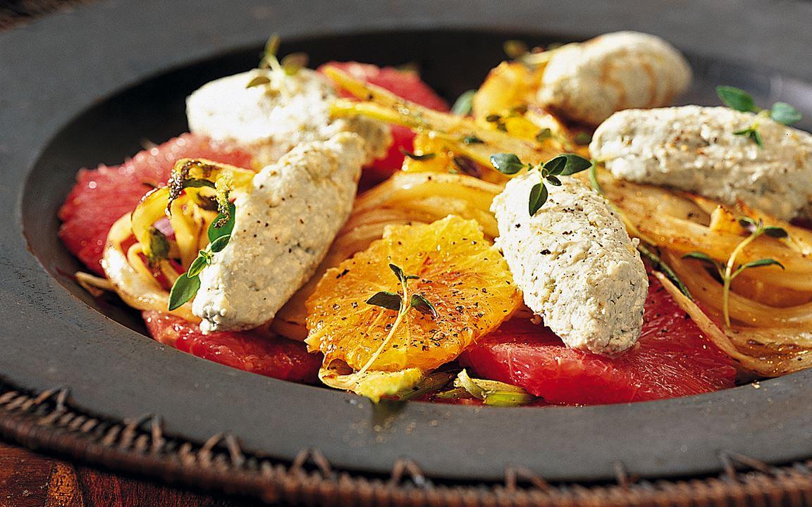 Citrussallad med fänkål och ädelostmousse