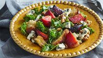 Panzanella med ädelost och grönkål