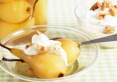 Päron i konjak med nötgrädde