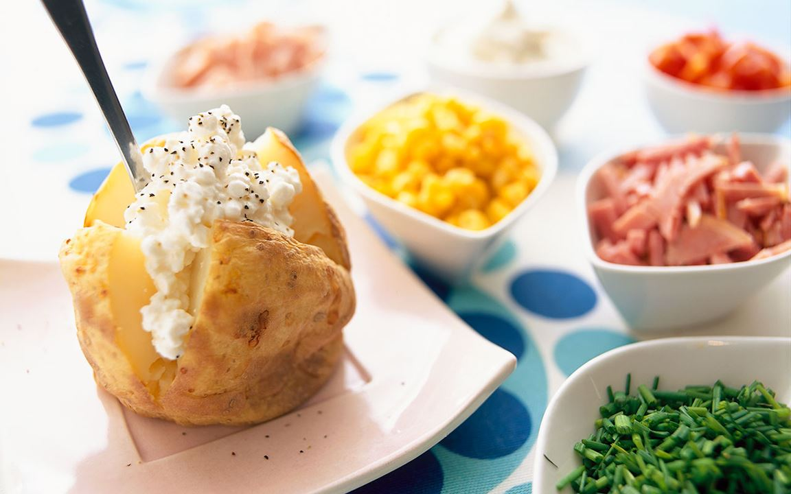 Bakad potatis för hela familjen