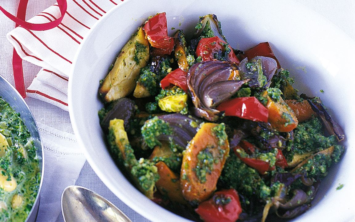 Ugnsstekta grönsaker i grönkålspesto