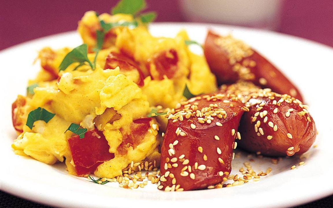 Korv med currykryddat potatismos
