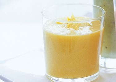 Mango och yoghurtsoppa