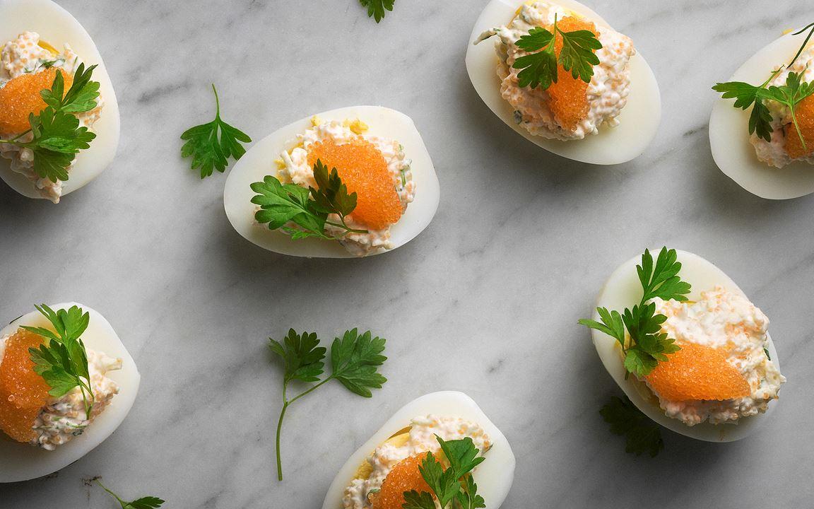 Ägghalvor med romröra