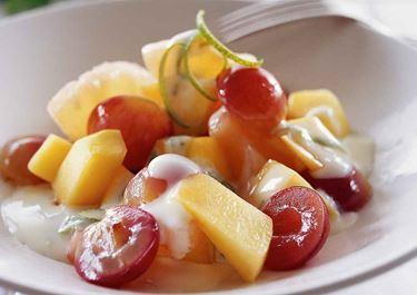Wokad frukt med limesås