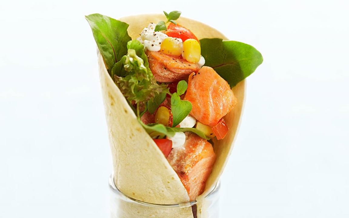 Wraps med lax och cottage cheese