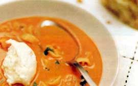 Tomat- och pastasoppa