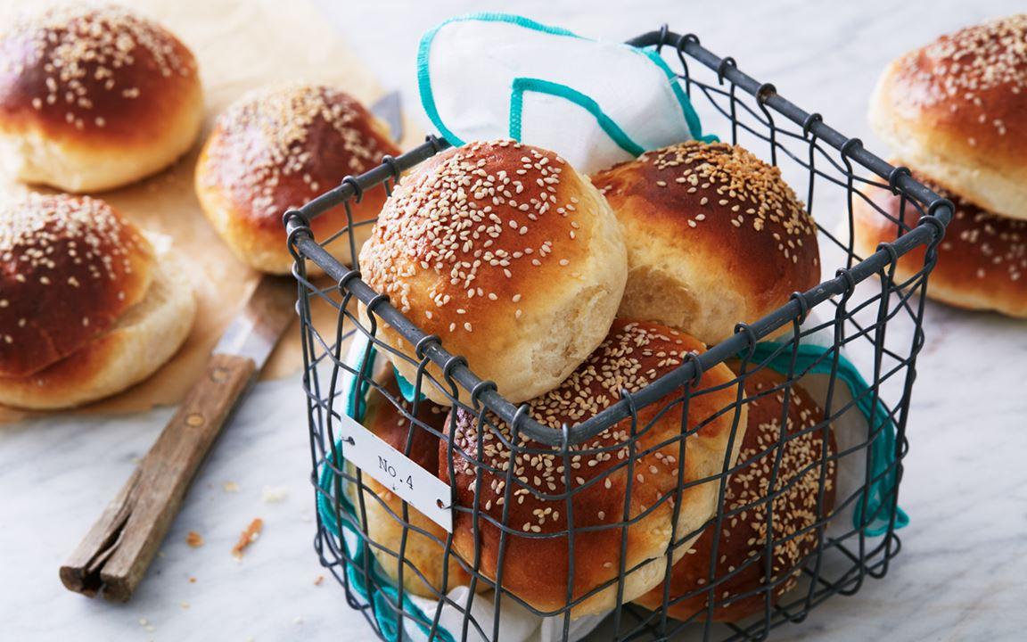 Hamburgerbröd med sesamfrön