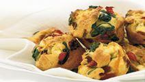 Muffins med ost och grönsaker