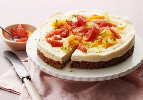 Cheesecake med kvarg och citrussallad