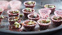 Chokladknäck med pistagenötter