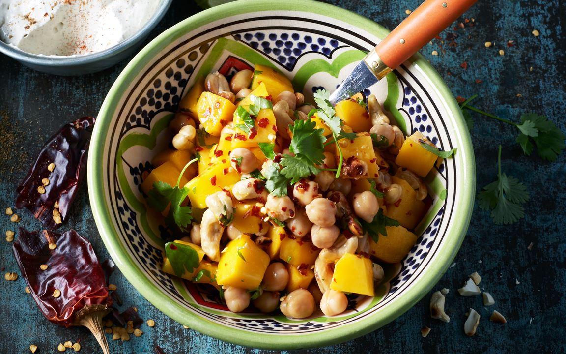 Chaat-sallad med cashew och mango