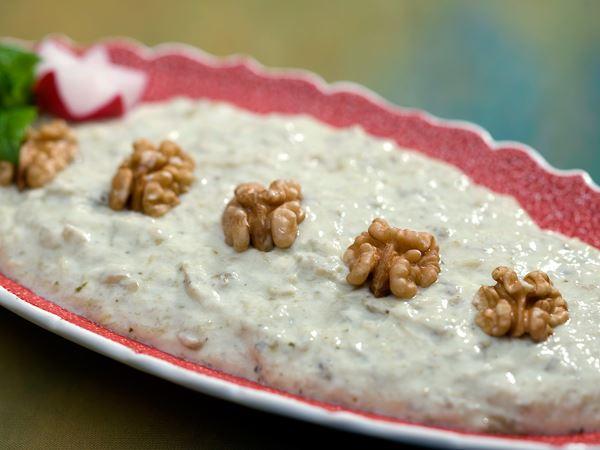 Aubergineröra med valnötter