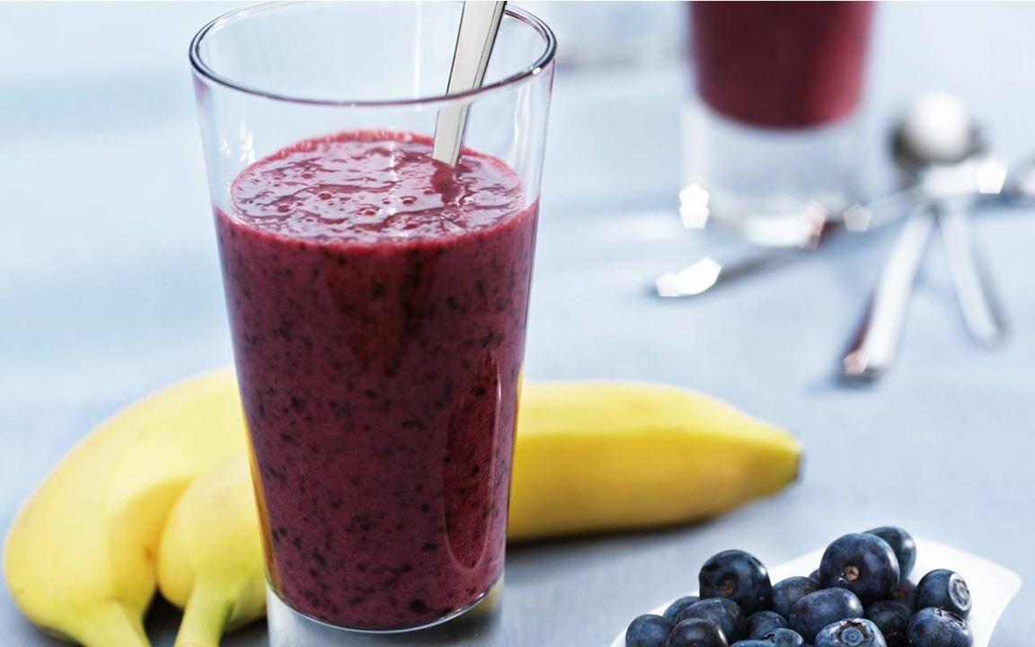 Smoothie med blåbär och banan